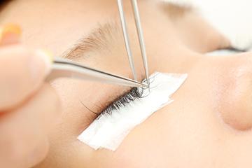 eyelash salon Feliz